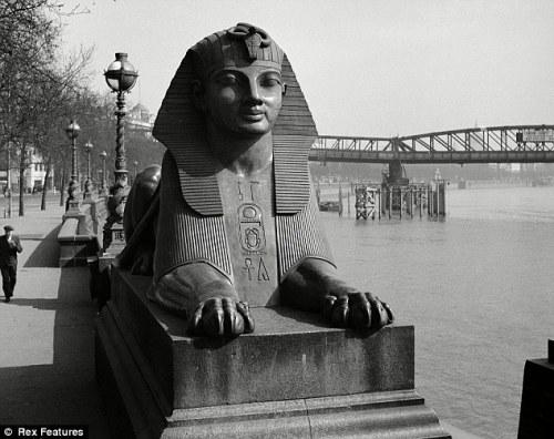 Sphinx in Britain